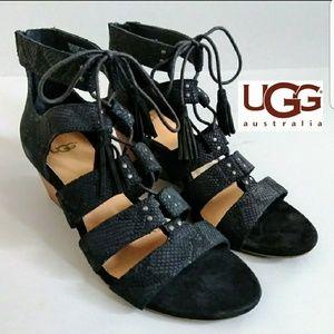NWT UGG Yasmin Snake Tassle Leather Wedged Sandals